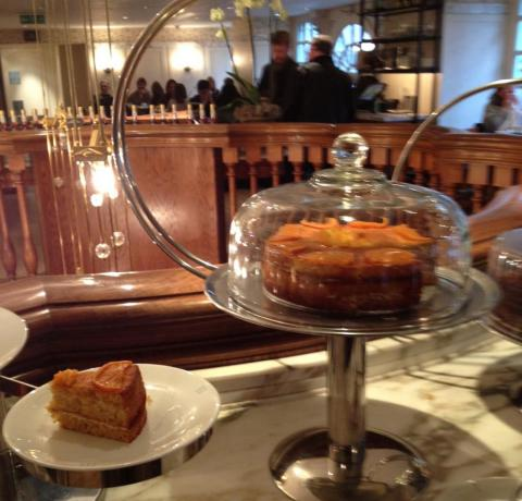 Fortnum & Mason Marmalade cake Love Jam winner